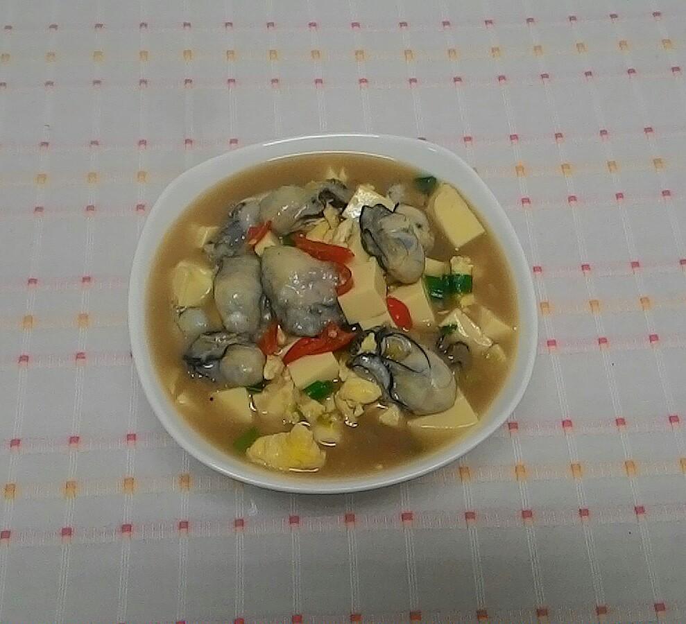 「鮮蚵豆腐煲」完成囉。