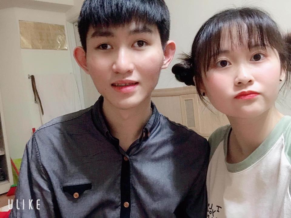 靖騰那美麗可愛的妹妹擔任哥哥的翻譯。