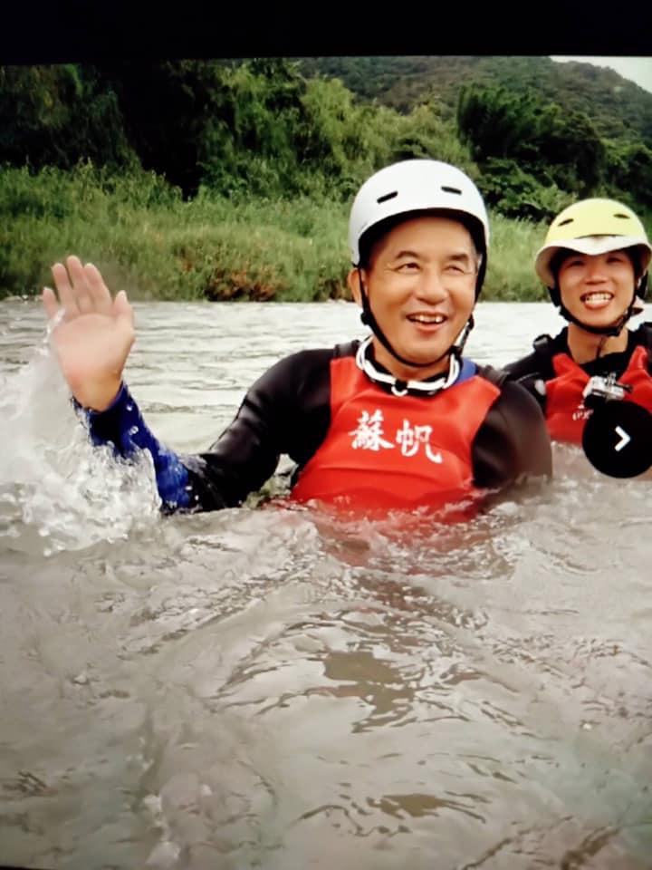 朱正國參加蘇帆海洋文教基金會的水上活動。