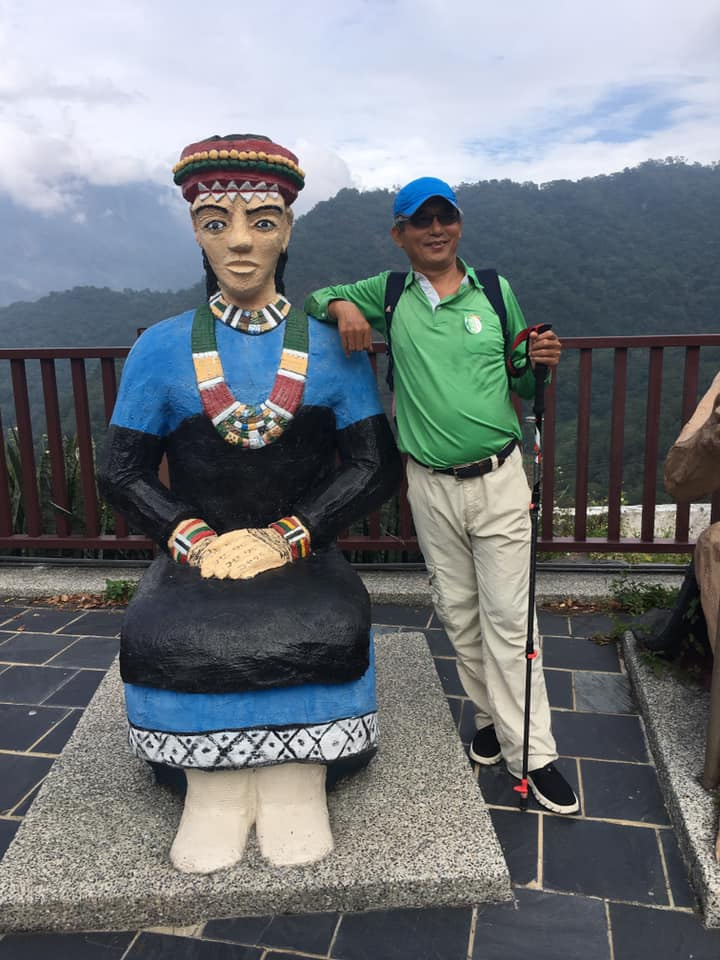 朱正國說,平安健康還能出去走走, 就是幸福!攝於屏東霧台神山部落。